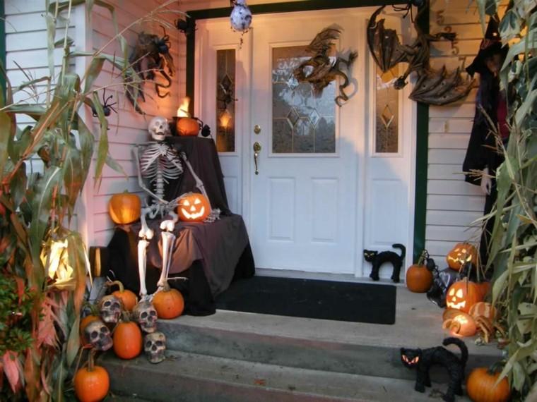 decoracion-de-las-puertas-de-casa-en-halloween-16