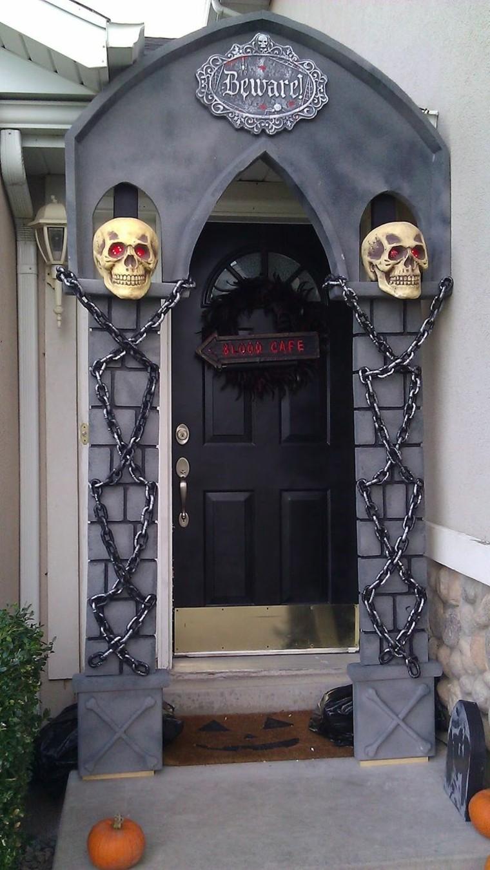 decoracion-de-las-puertas-de-casa-en-halloween-17