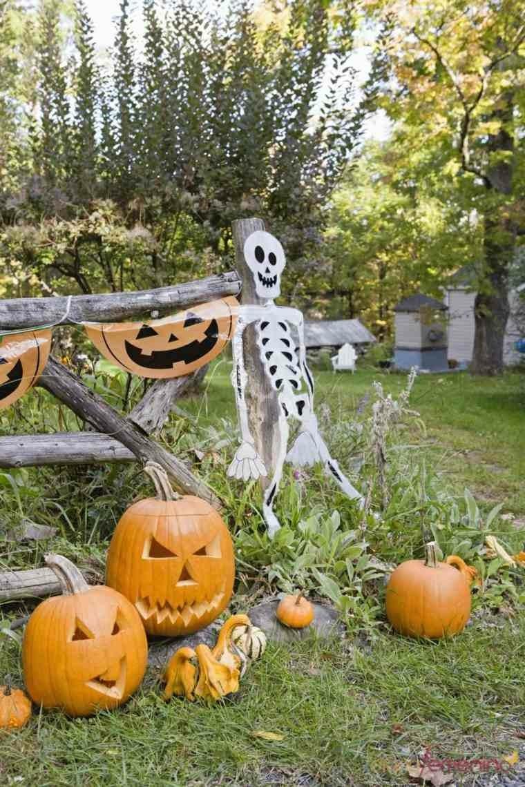 decoracion-de-las-puertas-de-casa-en-halloween-21