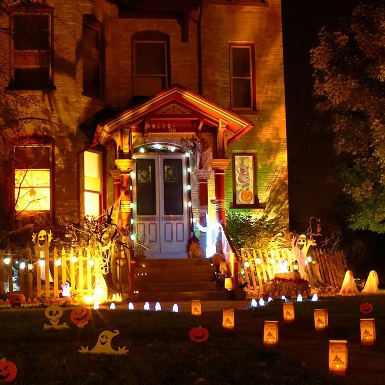 decoracion-de-las-puertas-de-casa-en-halloween-6