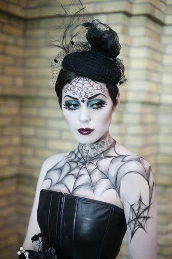disfraces-caseros-para-halloween-mujeres-reina-gotica